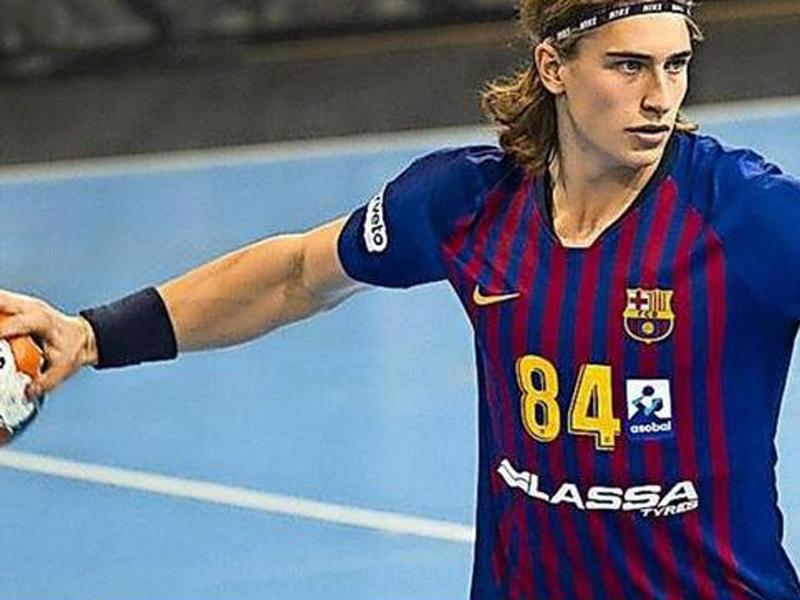 67461dd9852 Er konnte beim FC Barcelona nachhaltig auf sich aufmerksam machen  Juri  Knorr.