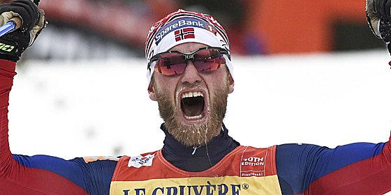 Da war noch alles gut: Langlaufstar Martin Johnsrud Sundby jubelt bei der Tour de Ski.