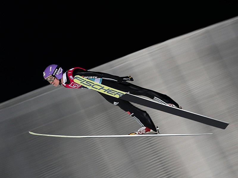 Deutsche Skispringer bei Halbzeit Dritte - Norwegen führt
