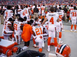 NFL-Proteste gehen weiter: Cleveland-Profis auf Knien