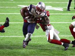 Super-Bowl-Held White bleibt bei den Pats