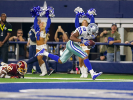 Cowboys feiern Coopers 90-Yard-Touchdown