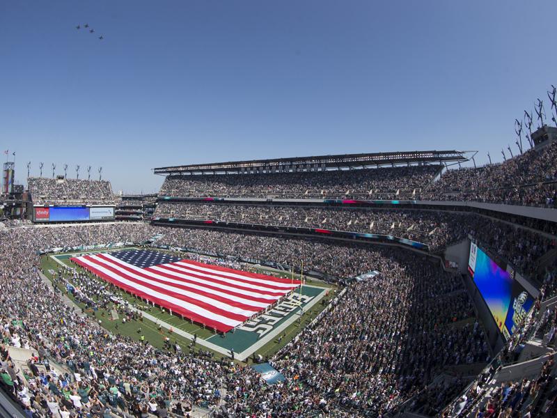 Heimvorteil? Die offenen Stadien der Eagles und Patriots