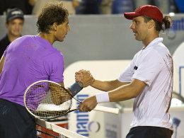 Rafael Nadal gratuliert Horacio Zeballos (re.) in Vina del Mar