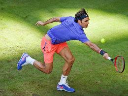 Federer zieht den Kopf aus der Schlinge - 7:6 im dritten