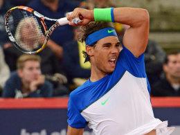 Mayer scheitert - Nadal zieht in Hamburg weiter