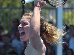 Da muss die Freude raus: Anna-Lena Friedsam steht in Melbourne in Runde drei.
