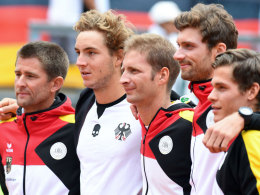 Gegen Polen siegreich: Das deutsche Tennis-Team um Trainer Michael Kohlmann (li.) am vergangenen Wochenende.
