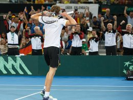 Davis Cup: Zverevs harter Kampf, Struff chancenlos