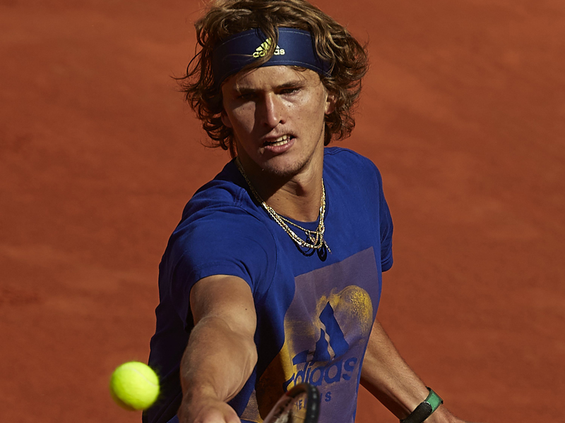 Entscheidung vertagt: Chancenloser Zverev verliert gegen Nadal