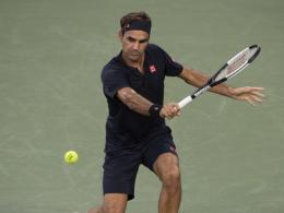Federer weiter - Djokovic besteht Stresstest