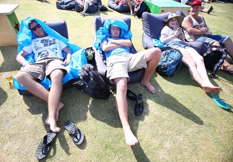 Das Thema am vierten Tag der Australian Open? Die Hitze! Bis zu 40 Grad zeigte das Thermometer. Das macht träge...