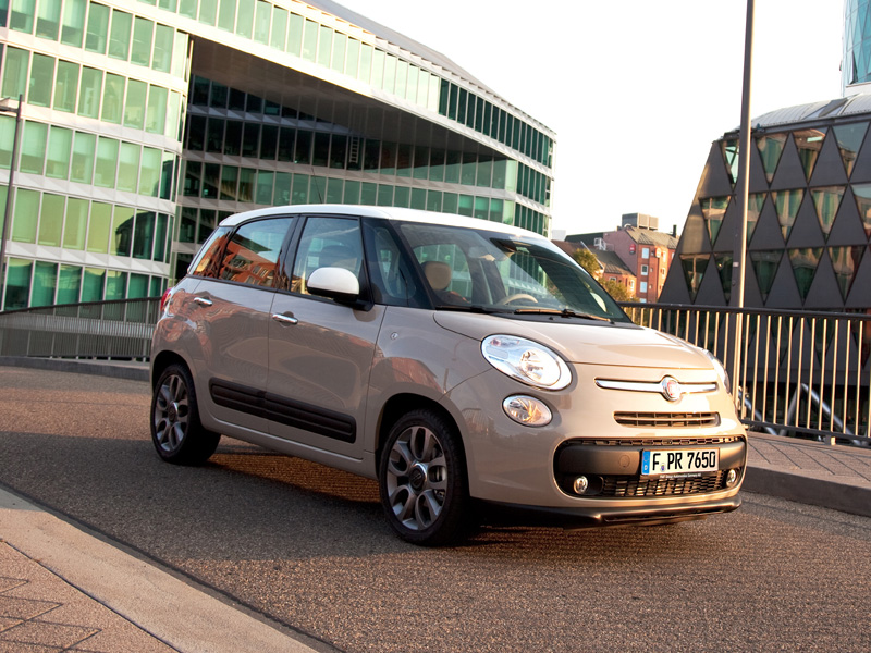 fiat 500l espressomaschine an bord neuheiten kicker. Black Bedroom Furniture Sets. Home Design Ideas
