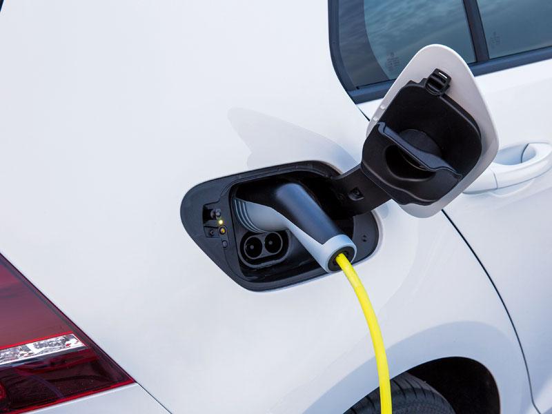 Jetzt setzt VW den Golf unter Strom - Neuheiten - kicker