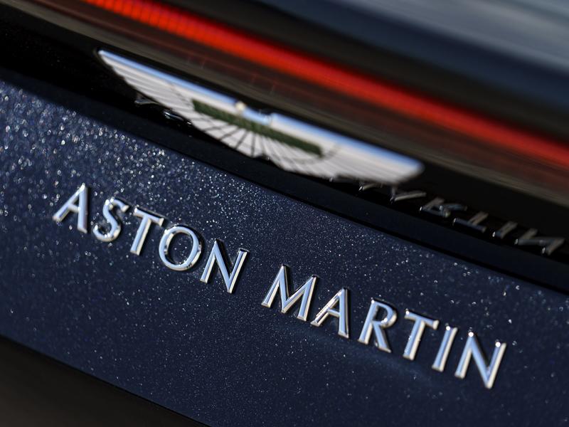 aston martin vantage v8: brite im sportdress - neuheiten - kicker