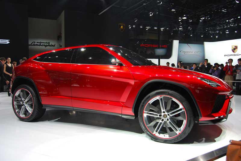 In etwa vier Jahren will Lamborghini mit dem Urus finanzstarke SUV-Kunden abschöpfen: 200000 Euro für den 600-PS-Boliden könnten nicht zu hoch gegriffen sein. Auch eine Hybridversion ist denkbar.