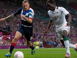Der Führungstreffer von Craig Bellamy (li.) war gegen den Senegal am Ende zu wenig für einen Sieg.