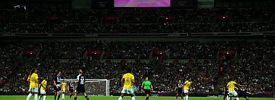 70 584 Zuschauer in Wembley - das Interesse trieb vor allem die Britinnen an.