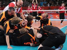 Die Freude über Bronze kannte bei den Sitz-Volleyballer keine Grenzen.
