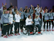 Schwarz, Rot und Grau zu Gold, Silber und Bronze: In diesen Outfits fahren die deutschen Athleten nach Rio.