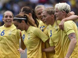 Fischer schie�t Schweden zum Sieg - Rekord-Tor