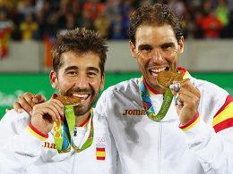 Strahlende Sieger: Marc Lopez und Rafael Nadal (re.).