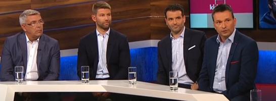 kicker-Reporter Frank Lu�em, Thomas Hitzlsperger, Raphael Honigstein und Christian Heidel