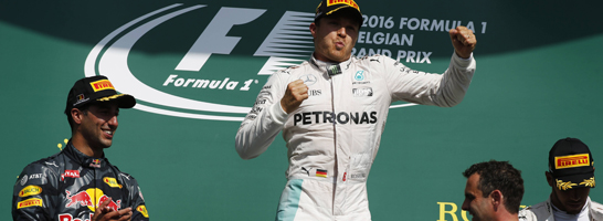 Strahlender Belgien-Gewinner: Nico Rosberg stand nat�rlich auch im Managerspiel-Sieger-Team.