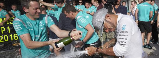Lewis Hamilton feierte in den USA seinen siebten Rennsieg und verhalf Kiem Hoffmann zum Tagessieg.