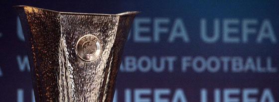 Der Pokal für den Sieger der Europa League.