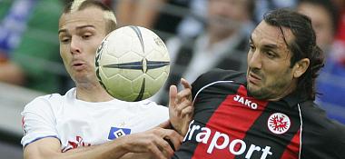 Duo mit Ball: Ljuboja und Kyrgiakos