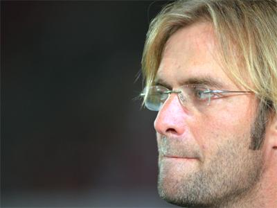 Hat genau hingeschaut und eine Lehrstunde für seine Abwehr im ersten Abschnitt gesehen: Der Mainzer Coach Jürgen Klopp.