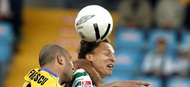 Fürths Timm gegen Duisburgs Filipescu