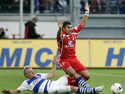 Adil Chihi gegen Tobias Willi (li.)