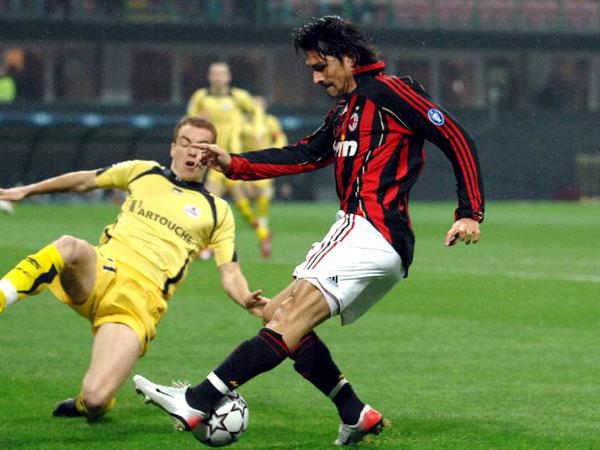 Milans Angreifer Marco Borriello, hier gegen den OSC Lille.