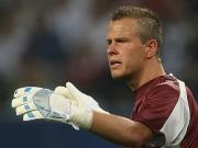 Ratlos: Für HSV-Keeper Kirschstein dauerte die Partie nur zehn Minuten.