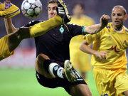 Viel Einsatz, nur sporadisch Glanz: Miroslav Klose gegen Levskis dicht gestaffelte Abwehr.