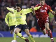 Barcelonas Deco gegen Liverpools Kapitän Gerrard