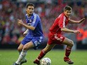 Frank Lampard vom FC Chelsea gegen Liverpools Gerrard.