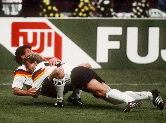 克林斯曼打入第二球,2:0,最后4:1对南斯拉夫图片