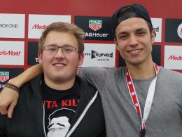 ie beiden Finalisten aus Frankfurt: Tissarek (r.) und Axel 'TwoMillionWays' Waldmannstetter.