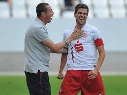 Rot-Weiss-Coach Wrobel mit seinem Kapitän Markus Heppke
