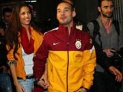 kicker.tv Hintergrund: Warmer Empfang für Sneijder bei Galatasaray