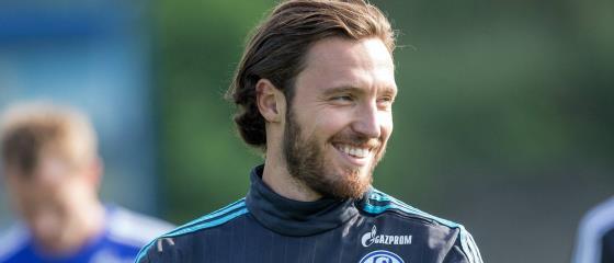 Vertrag verl�ngert: H�ger bleibt bis 2017 Schalker