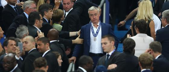 Deschamps will Nationaltrainer bleiben